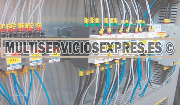 Electricistas baratos en Benigánim