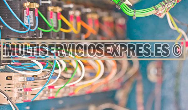 Electricistas uregntes en Tordera